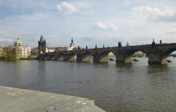 プラハ観光カレル橋写真ブログ.jpg